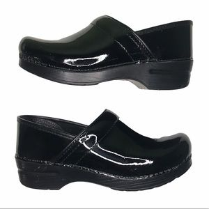 Dansko  Women's Black Patent Leather Clog 39